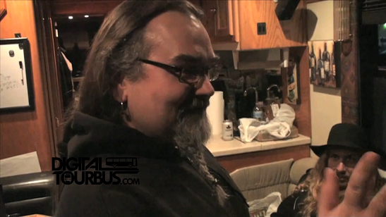 Korpiklaani – BUS INVADERS Ep. 380