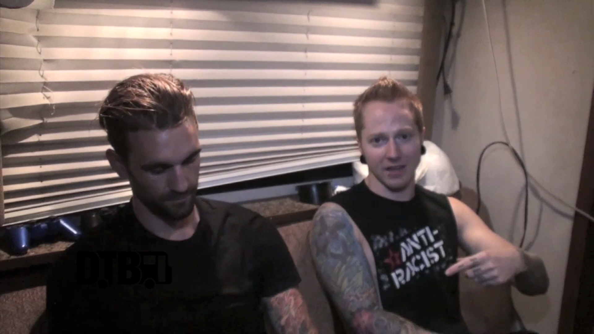 A Skylit Drive – CRAZY TOUR STORIES [VIDEO]