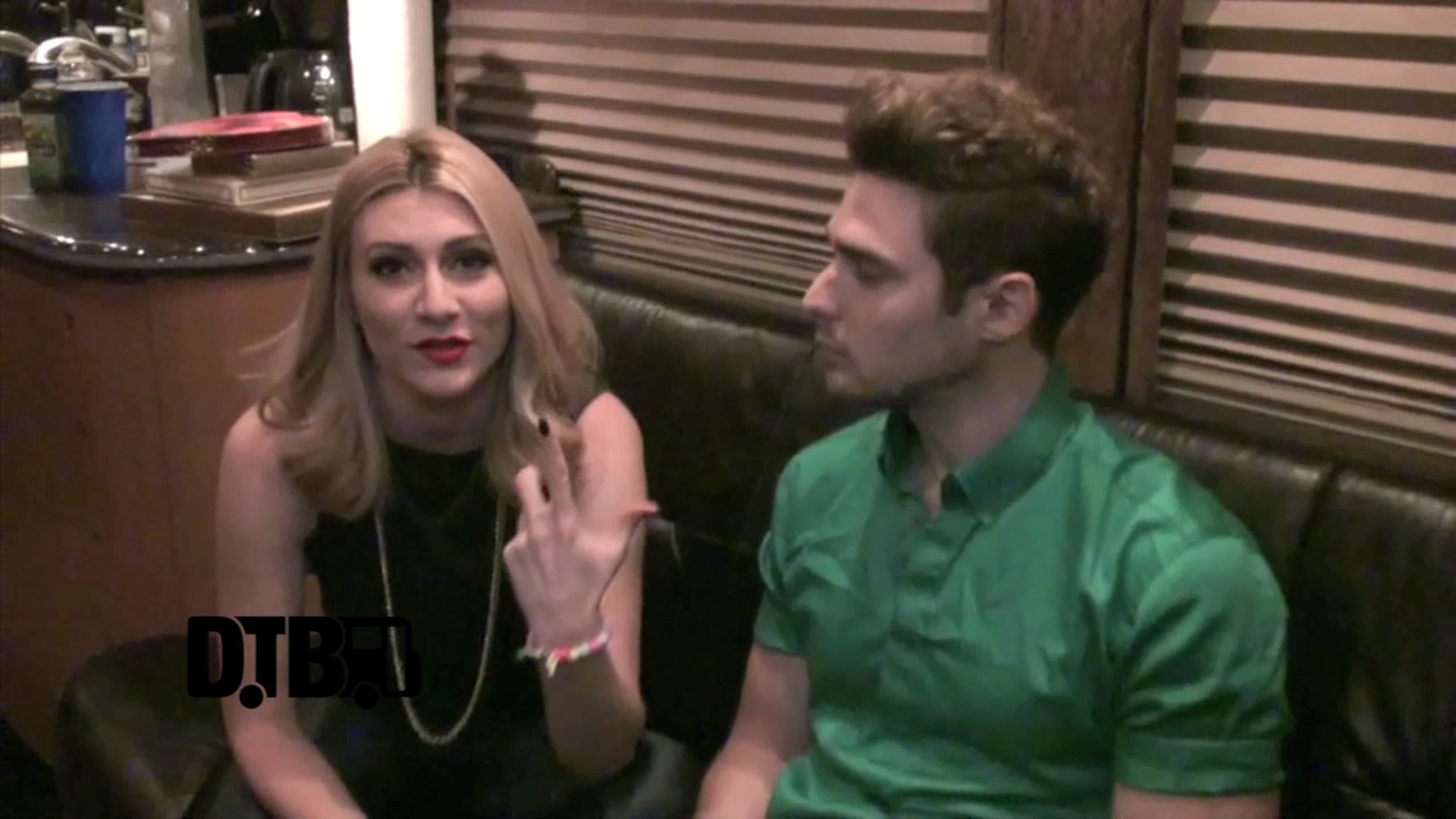 Karmin – TOUR TIPS [VIDEO]