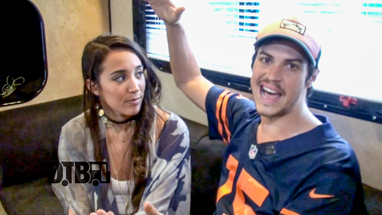 Alex & Sierra – CRAZY TOUR STORIES Ep. 254 [VIDEO]