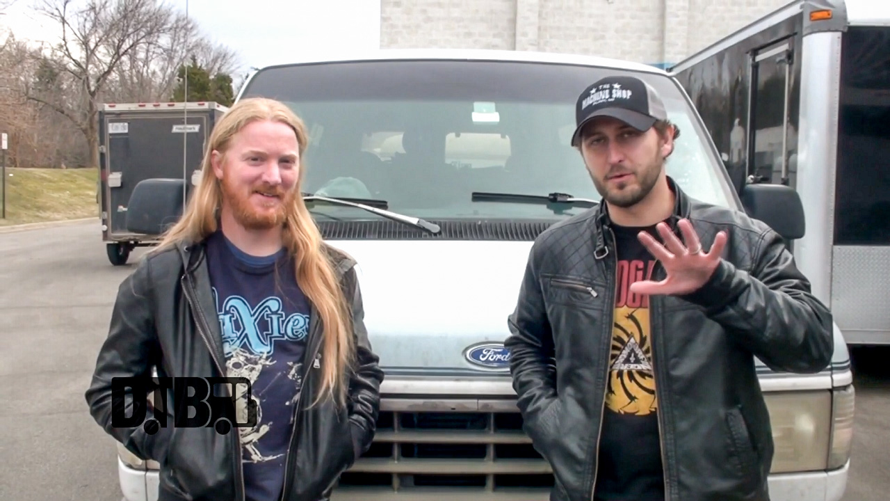 Luminoth – BUS INVADERS Ep. 798 [VIDEO]