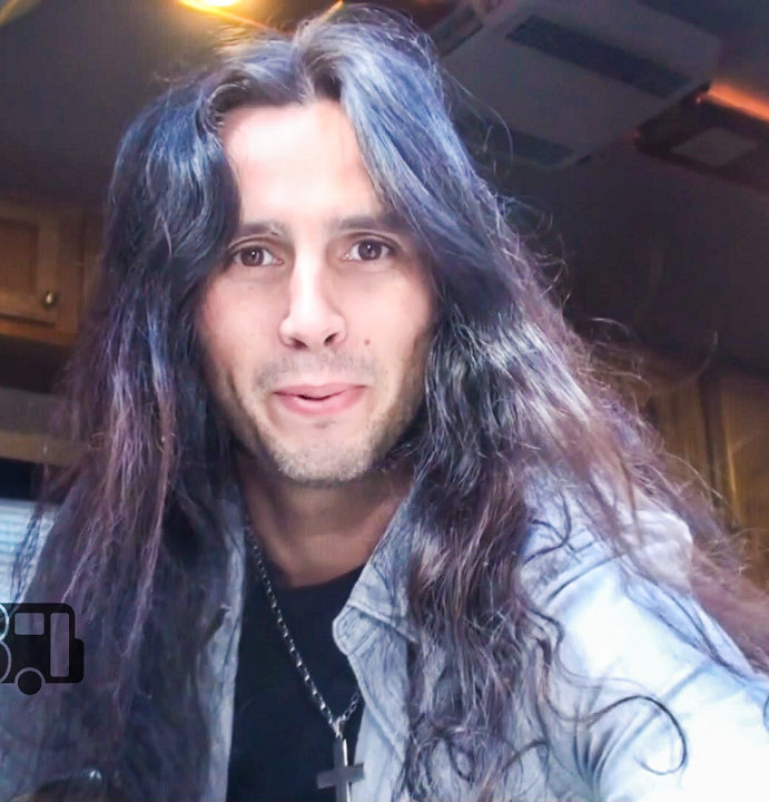 Gus G (of Ozzy Osbourne and Firewind) – BUS INVADERS Ep. 1093 [VIDEO]