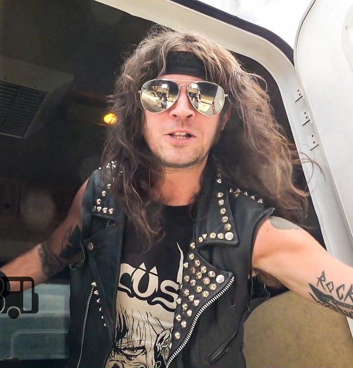 Municipal Waste – BUS INVADERS Ep. 1225