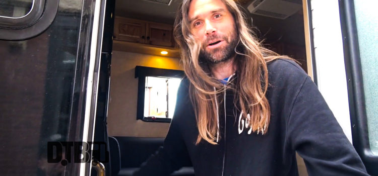 TesseracT – BUS INVADERS Ep. 1332 [VIDEO]