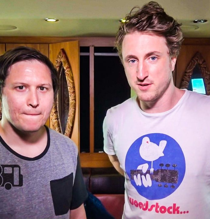 The Wombats – BUS INVADERS Ep. 1359 [VIDEO]