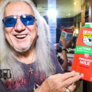 Uriah Heep – BUS INVADERS Ep. 1460 [VIDEO]